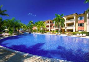 Luxurious pool.